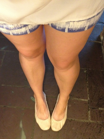 summer-style-shorts-with-flats